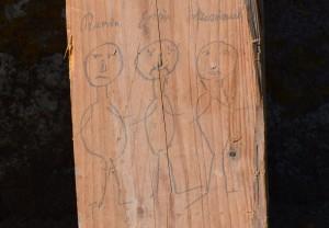 - og oppe på loftet tegnede Søren ministrene Ravn, Estrup og Scavenius