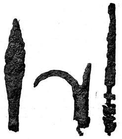 De viste genstande plus nogle smukke lerkander og mønter kan alle dateres til 1300-tallet