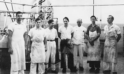 Medarbejdere ved Barrit Mejeri, ca. 1948.