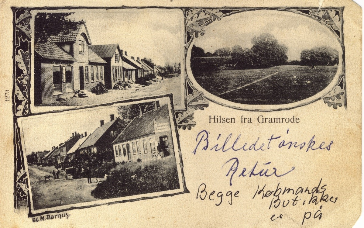 Postkort med Bredgade som motiv. Sikkert fra ca. 1906. Som der står på kortet, så er begge købmandsforretninger med på billedet. Øverst til venstre Christian Laursens købmandsgård (nu Bredgade nr. 18.) Underst til venstre Bredgaden nr. 0. Huset blev revet ned, da den nuværende vej blev lavet.